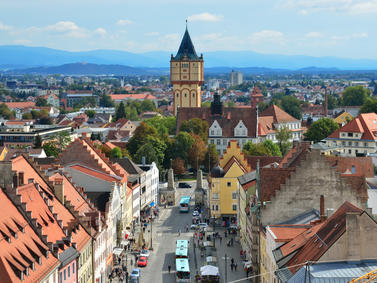 Straubing Skyline Oberbayern Fotolia 91864307 Subscription Monthly M