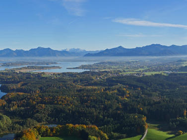 Chiemsee Chiemgauer Berge Panorama Fotolia 94292517 Subscription Monthly M
