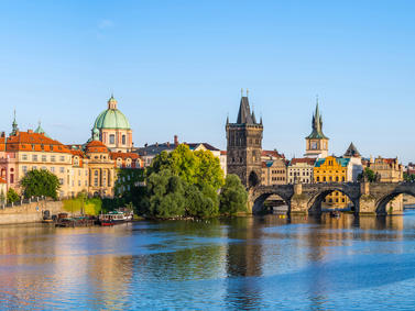 Prag Karlsbruecke Tschechien Fotolia 90135252 Subscription Monthly M
