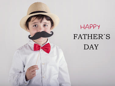 Vatertag Kind Verkleidung Fathers Day Papa Sohn Fotolia 103353696 Subscription Monthly M