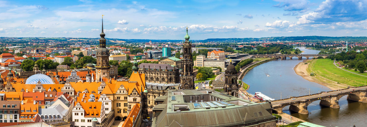 Dresden Skyline Fotolia 94723044 Subscription Monthly M2