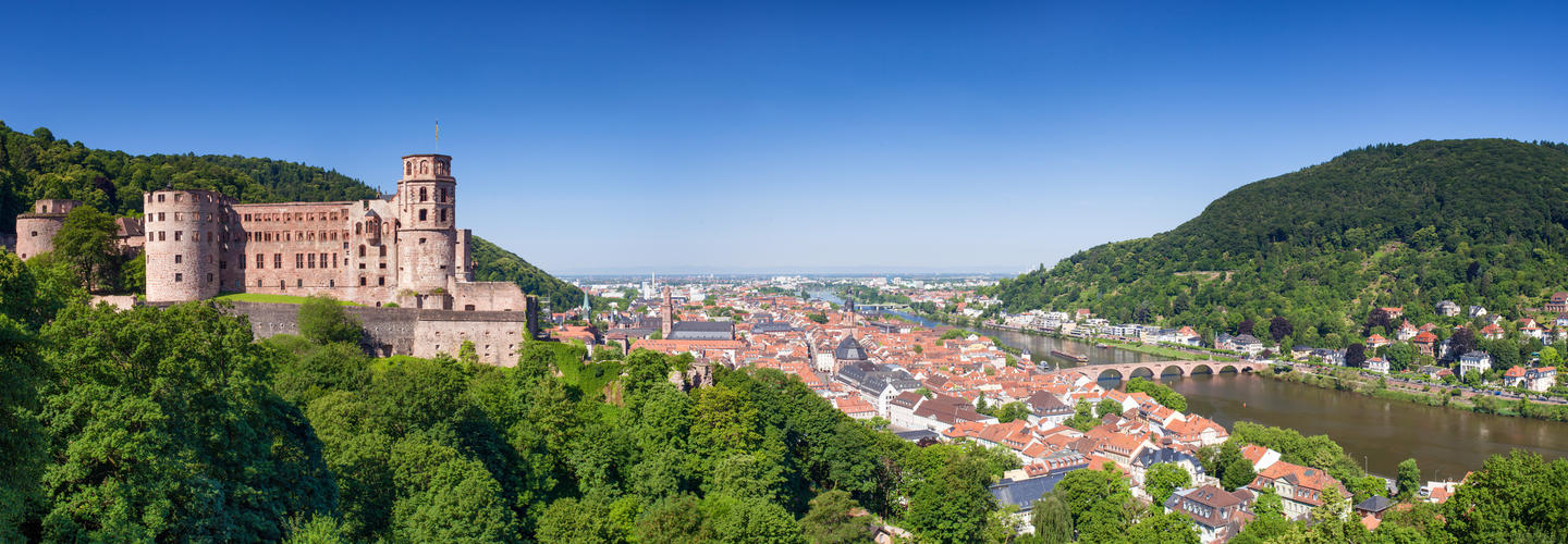 Heidelberg Schloss Alte Bruecke Neckar Fotolia 76146841 Subscription Monthly M2