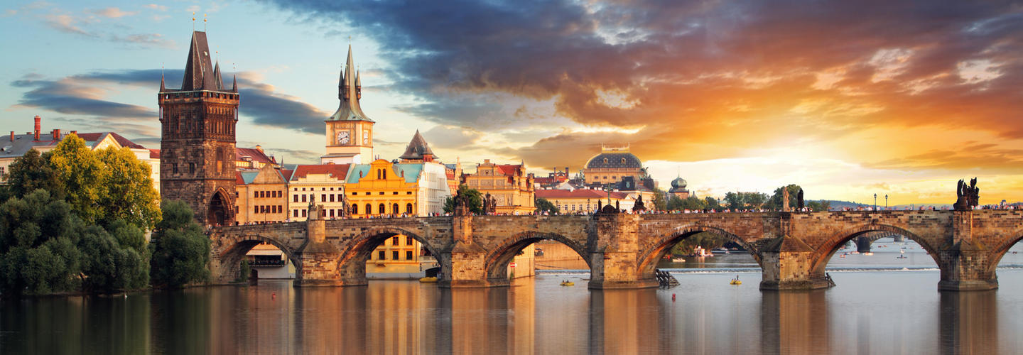 Prag Karlsbruecke Tschechien Fotolia 71073714 Subscription Monthly M2