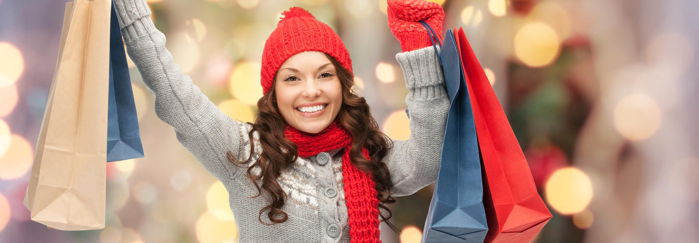 Christmas Shopping Einkaufsbummel Weihnachten Advent Fotolia 91490589 Subscription Monthly M2
