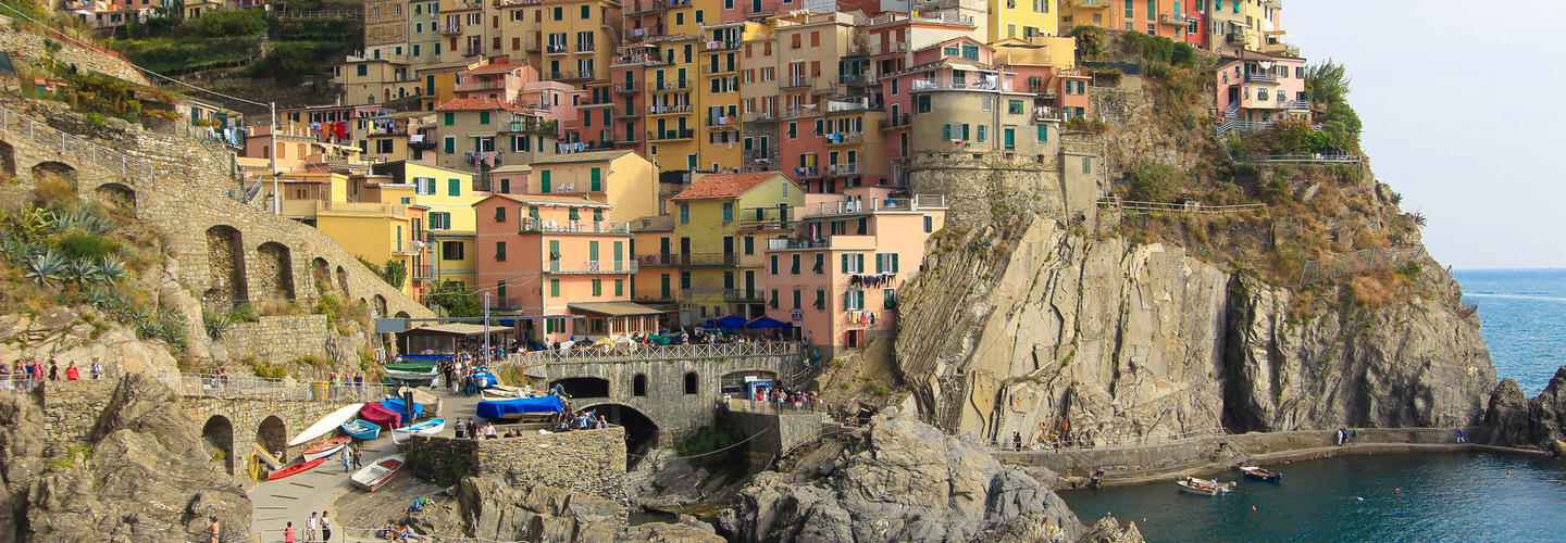 Cinque Terre Dorf Meer Kueste Italien Fotolia 89993559 Subscription Monthly M