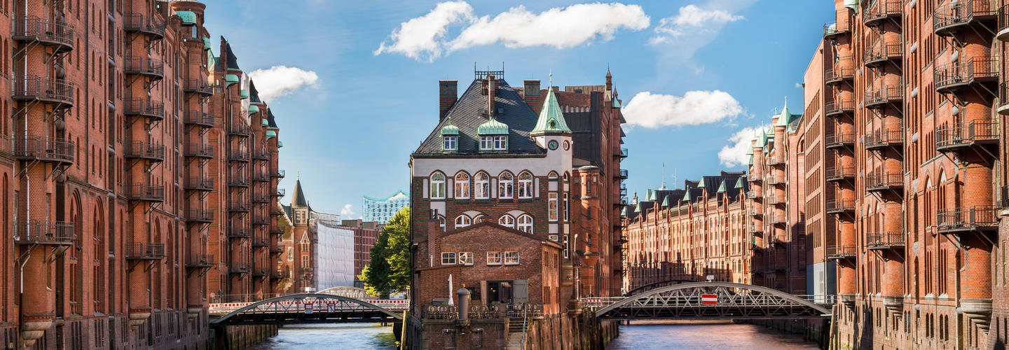 Hamburg Speicherstadt Wasserschloss Fotolia 57038016 Subscription Monthly M