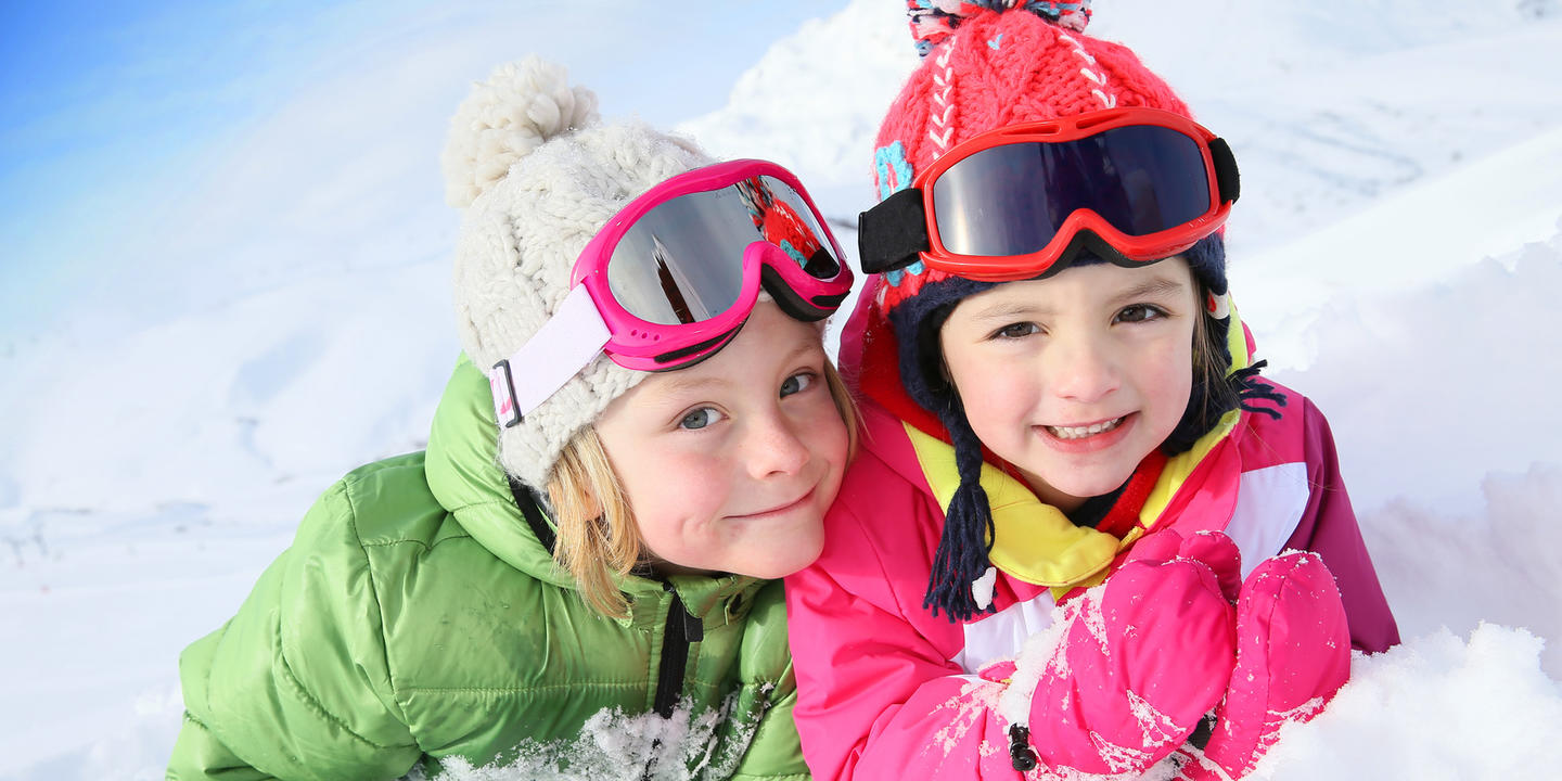 Kinder Kids Alpen Berge Kindergarten Aktiv Ski Fotolia 77895256 Subscription Monthly M