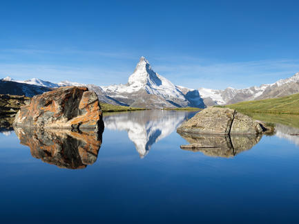 Stellisee Matterhorn Wallis Schweiz Panorama Fotolia 93594439 Subscription Monthly M