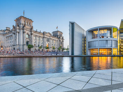 Berlin Reichstag Fotolia 90761378 Subscription Monthly M